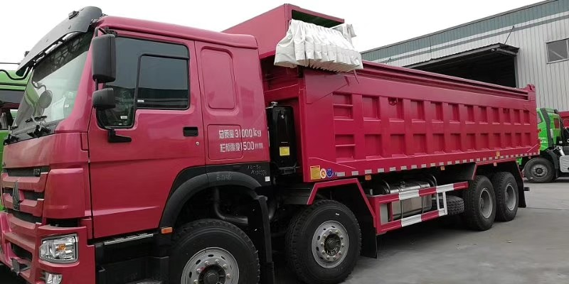 371HP Howo 12 Wheeler Dump Truck With ZF8118 Steering And HW76 Cabin
